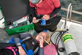 Emergency Oxygen for Scuba Diving Injuries