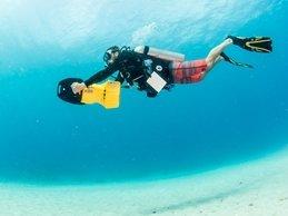 DPV (Diver Propulsion Vehicle) Diver