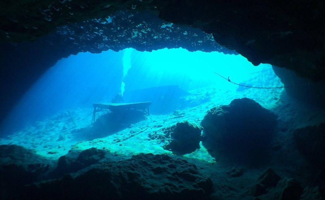 Tour - Blue Grotto Dive Master Led 1 Tank Dive