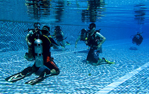 PADI Confined Water and Classroom