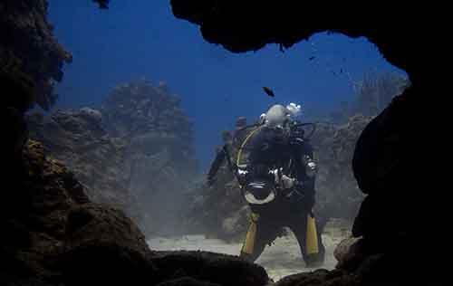 Cavern Diver